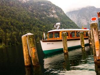 loď na jezeře Königssee