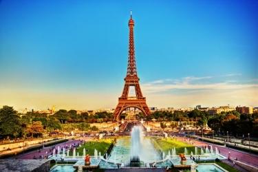 pohled z náměstí Trocadero
