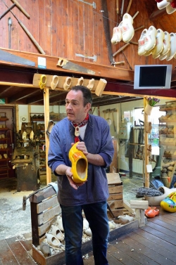 Alida Hoeve - výroba dřeváků